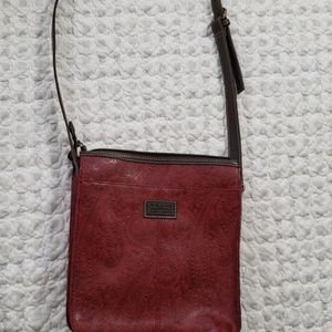 Relic Shoulder Purse - Deep Red **look**